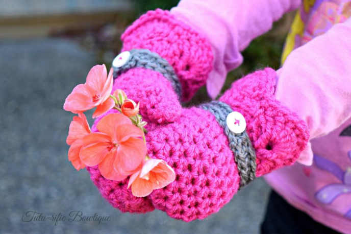 Shelby Mittens free crochet pattern by Sincerely, Pam