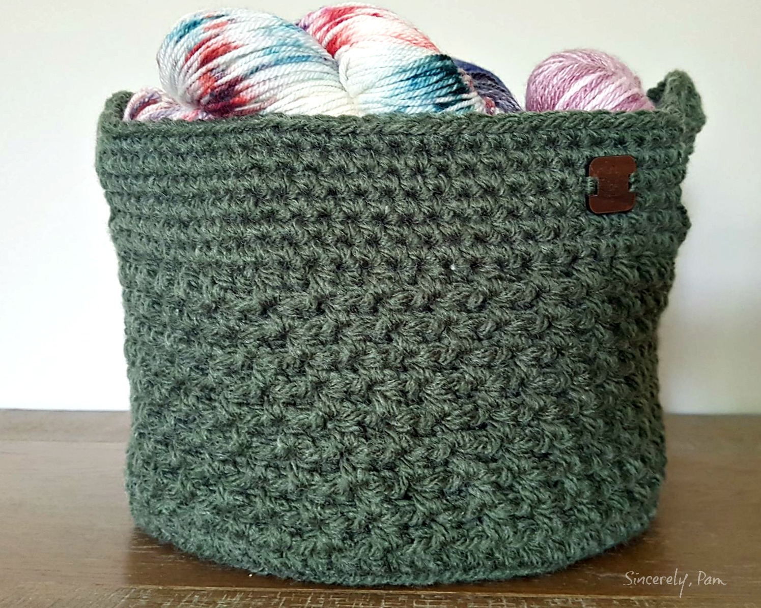 Lansdowne Basket crochet pattern in Bulky yarn