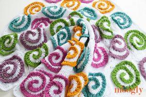 Modern Rose Afghan crochet pattern by Moogly