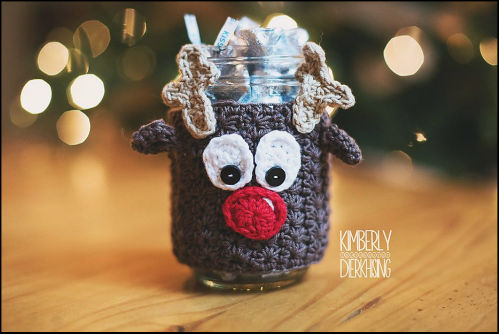 Reindeer Mason Jar Cozy crochet pattern by Sincerely, Pam.