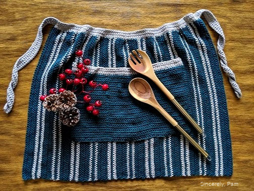 christmas kitchen apron crochet along with knit picks cotlin