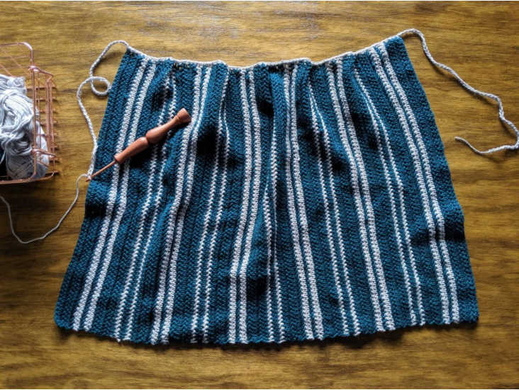 farmhouse kitchen apron crochet pattern tutorial. Competed Row 1