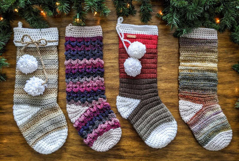 crochet christmas stocking pattern round up by sincerely pam