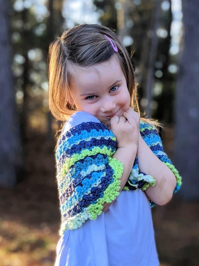 brooke poncho crochet pattern by sincerely pam using felici yarn from wecrochet